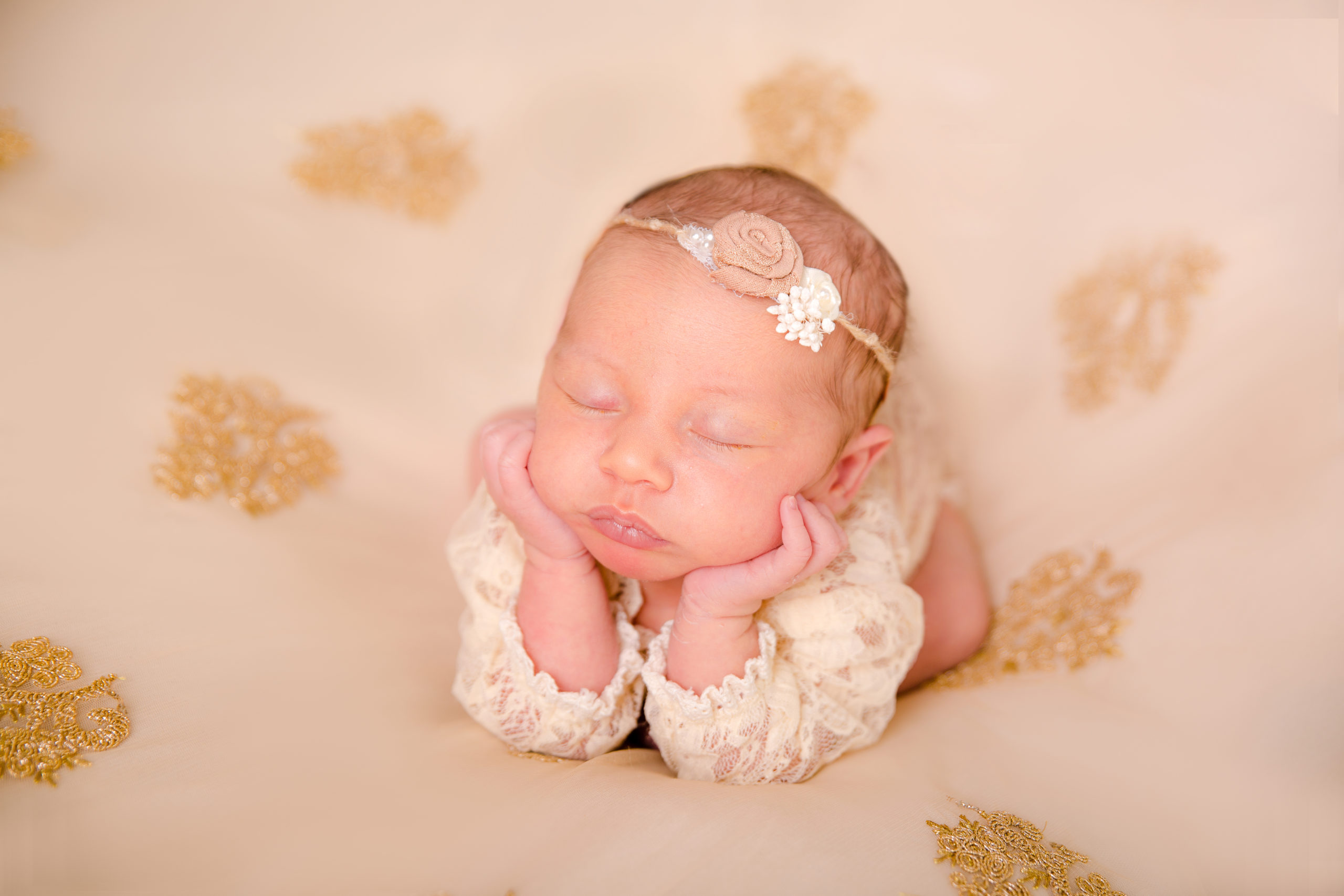 Newborn baby and Family Photographer in South West London Wimbledon Baby girl froggy pose newborn art photography froggy pose baby girl