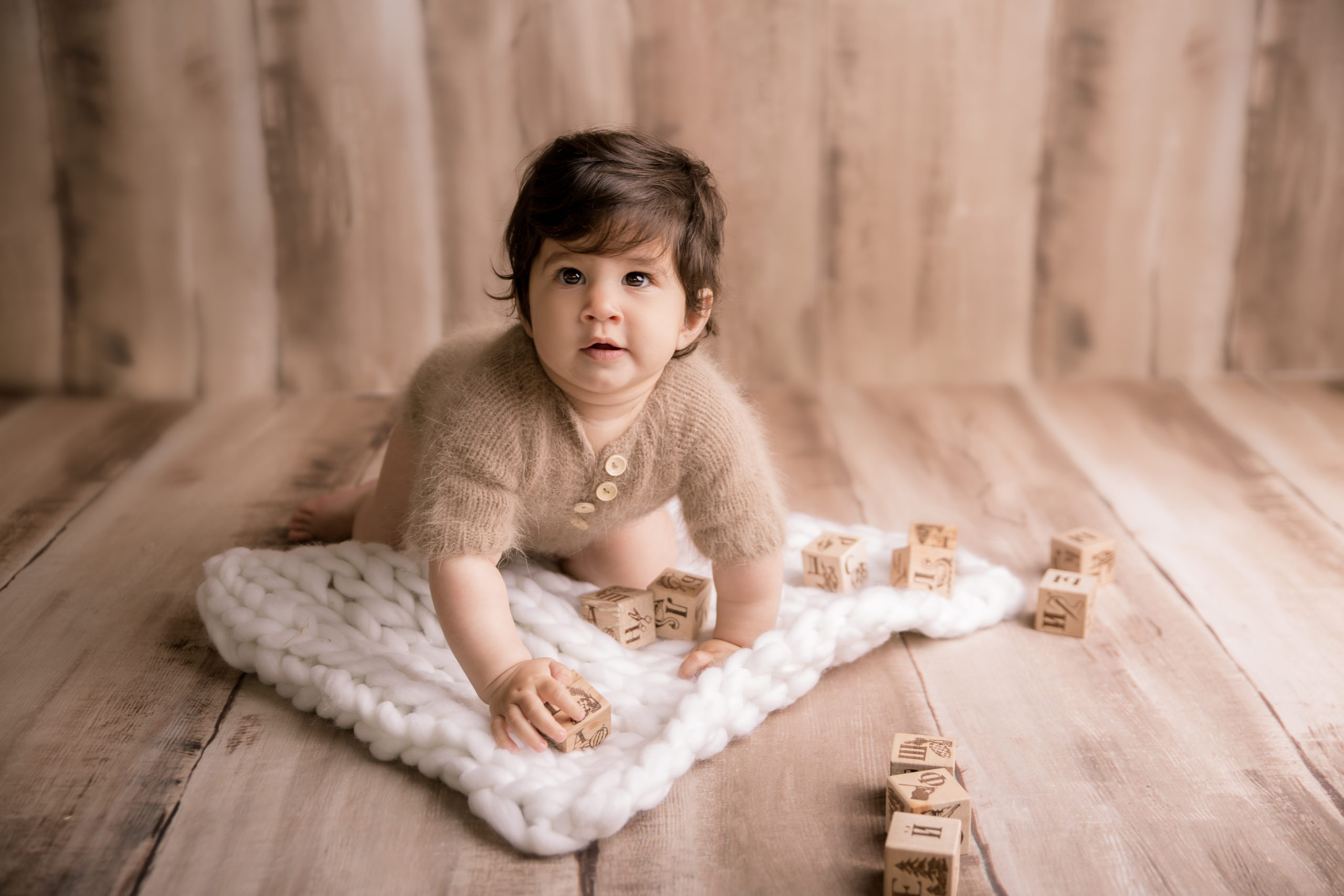 sitter baby photo session in Wimbledon Fulham Richmod KingstonSW19
